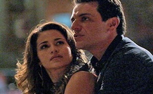 """Em """"Salve Jorge"""", Théo diz para Morena que vai assumir a paternidade de Júnior (7/11/12)"""