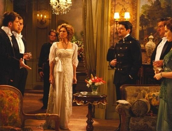 """Em """"Lado a Lado"""", Albertinho vai preso durante jantar de luxo de Constância"""