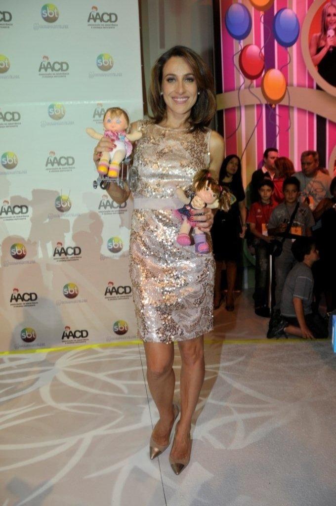 A apresentadora Regina Volpato participa do Teleton 2012, que pretende arrecadar R$ 25 milhões (10/11/12)