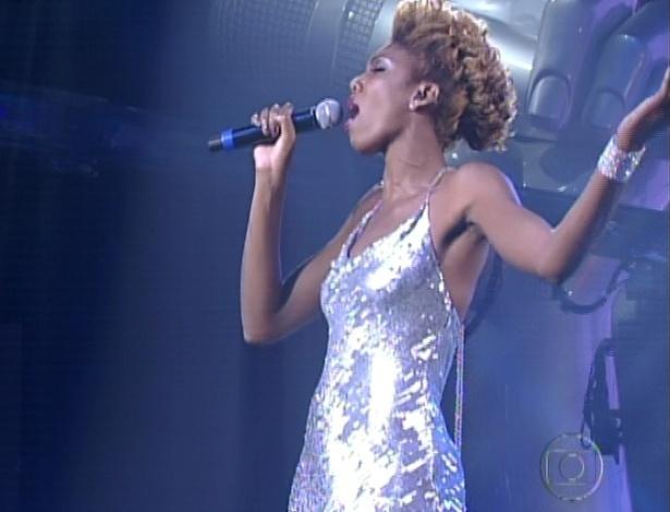 """Késia Estácio canta """"Listen"""", de Beyoncé, nas semifinais do """"The Voice Brasil"""" (11/11/12)"""
