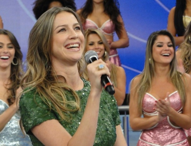 Luana Piovani participa do programa 