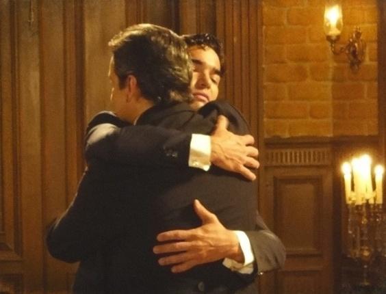 """Em """"Lado a Lado"""", falso, Fernando faz as pazes com o pai"""