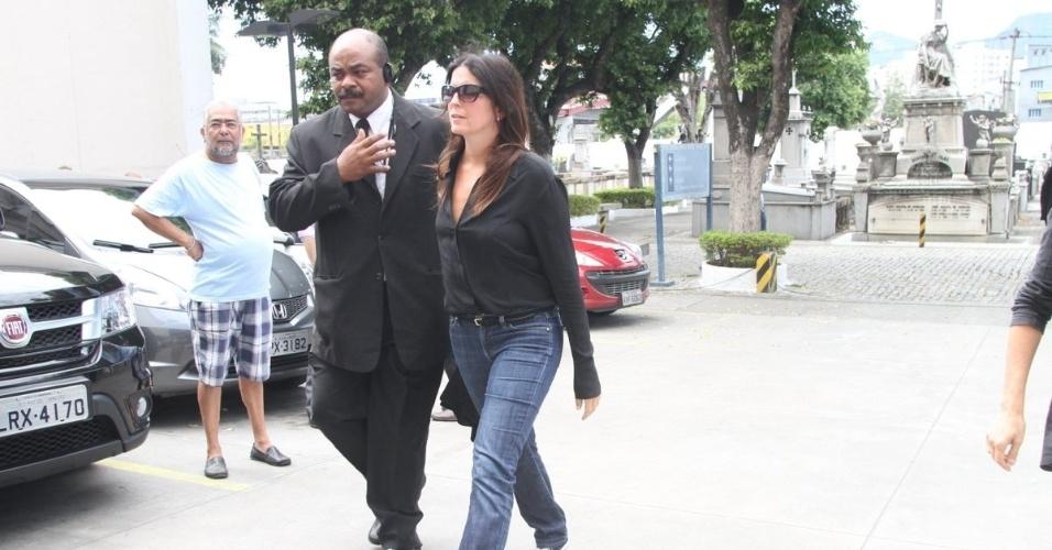 Malu Mader chega ao velório do ator e diretor Marcos Paulo, no Memorial do Carmo, no Rio de Janeiro (12/11/12)