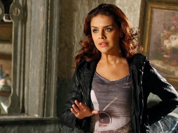 """Em """"Salve Jorge"""", Rosângela troca de lado e fica ao lado de Russo e Lívia (13/11/12)"""