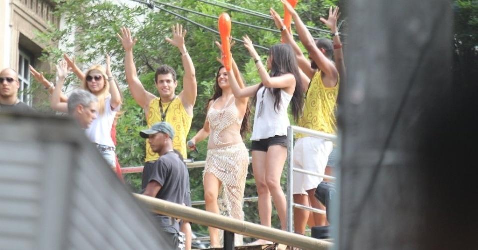 """Ísis Valverde grava cenas da minissérie """"O Canto da Sereia"""", em Salvador (15/11/12)"""
