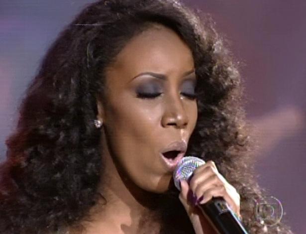 """Quesia Luz canta """"Ben"""", de Michael Jackson, na segunda parte da semifinal do """"The Voice Brasil"""" (18/11/12)"""
