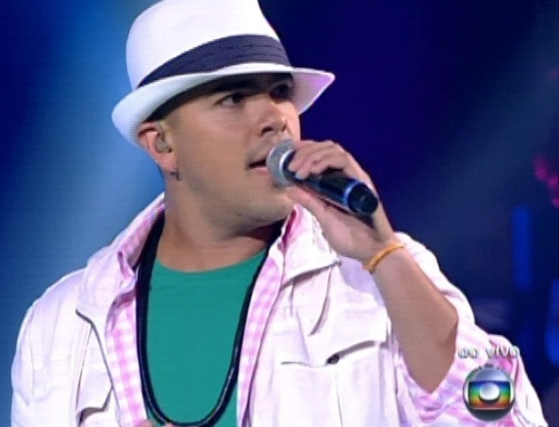 "Rafah interpreta música de Cartola na segunda parte da semifinal do ""The Voice Brasil"" (18/11/12)"