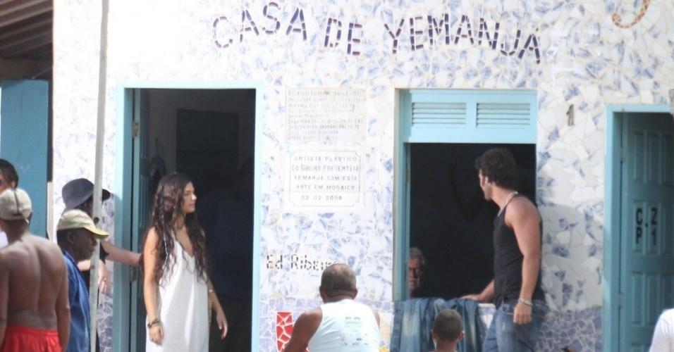 """Isis Valverde grava cenas da minissérie """"O Canto da Sereia"""", em Salvador (17/11/12)"""