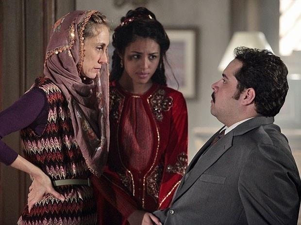 """Em """"Salve Jorge"""", contra sua vontade, Sarila aceita o casamento de Tamar e Demir (22/11/12)"""