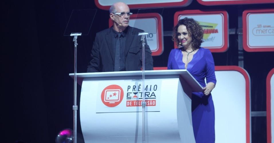 Marcos Caruso e Eliane Giardini apresentam o Prêmio Extra de Televisão 27.nov.2012