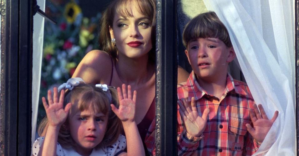 Paola (Gabriela Spanic) tem dois filhos com Carlos Daniel (Fernando Colunga)