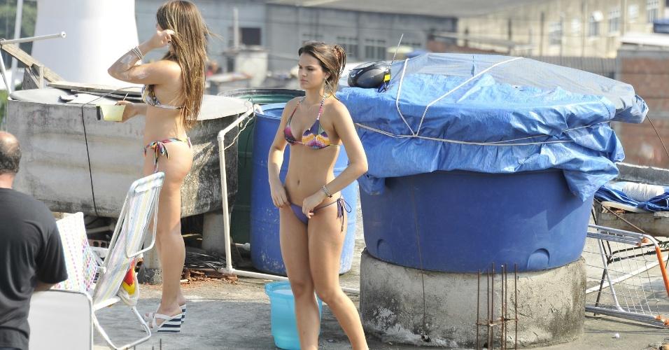"""Bruna Marquezine e Aimée Madureira gravam cena de """"Salve Jorge"""""""