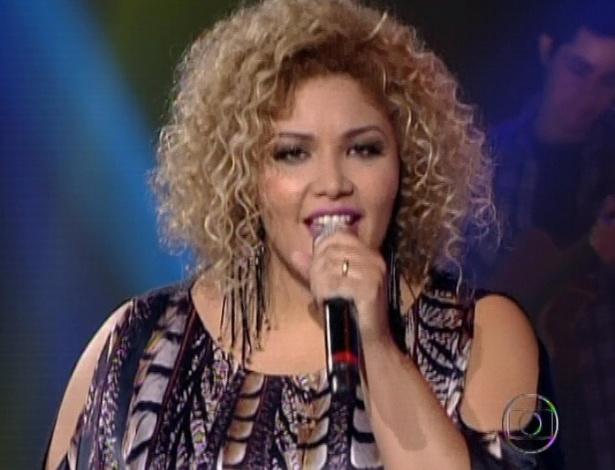 """Alma Thomas canta """"Ainda Bem"""" de Thiaguinho, na quinta semifinal do """"The Voice Brasil"""" (2/12/12)"""