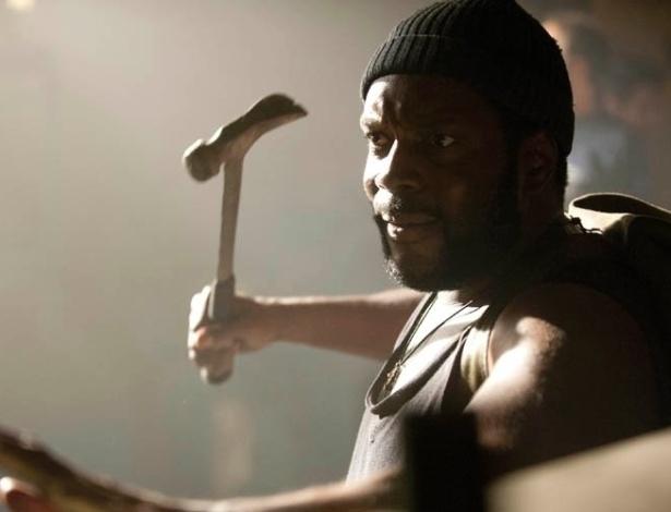 """(2012) Tyreese (Chad Coleman) aparece pela primeira vez em cena de """"Made to Suffer"""", oitavo episódio da terceira temporada de """"The Walking Dead"""""""