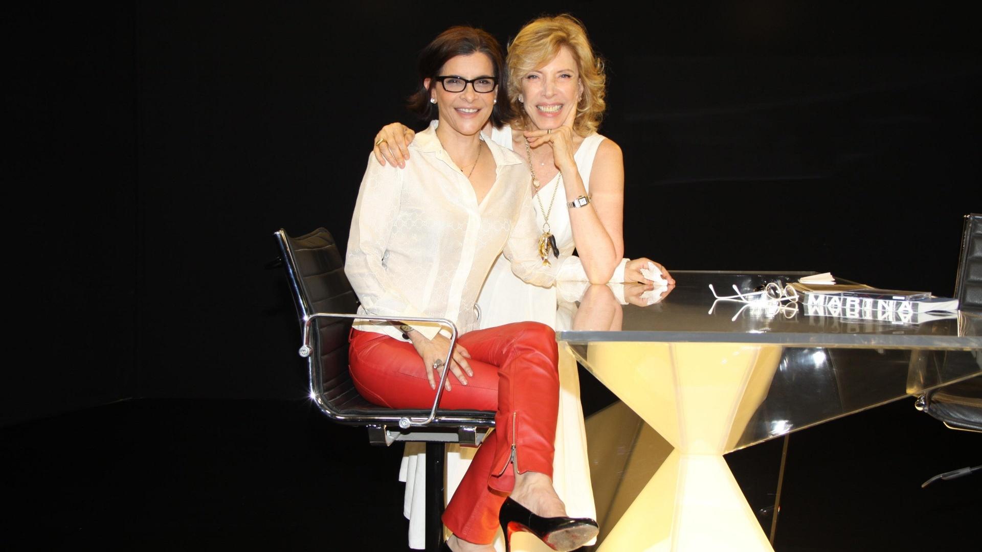 5.dez.2012 - Marília Gabriela recebe Marina Lima no
