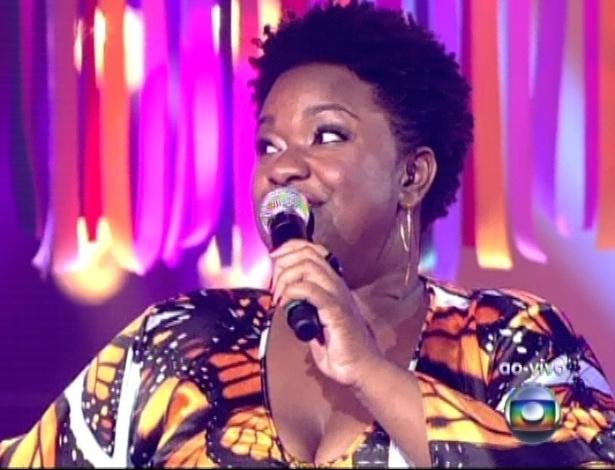 """16.dez.2012 - Ellen Oléria canta """"Anunciação"""", de Alceu Valença, na final do """"The Voice Brasil"""""""
