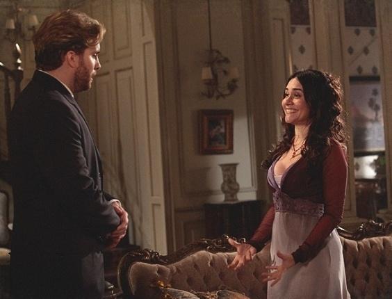 """Em """"Lado a Lado"""", Catarina pede mais dinheiro, mas Edgar nega"""