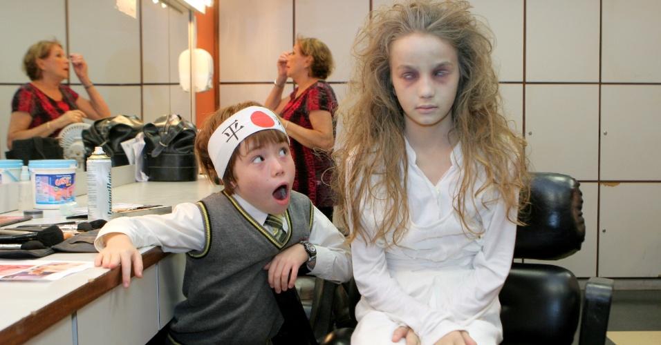 """20.dez.2012 - """"Menina fantasma"""" grava participação especial em """"Carrossel"""""""