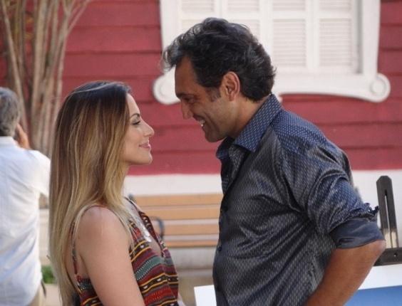 """Em """"Salve Jorge"""", Zyah pede para Bianca não beijá-lo em público"""