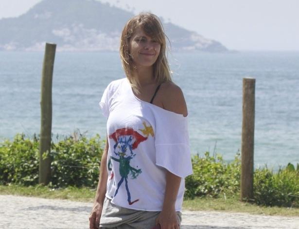"""8.jan.2013 - Atriz Carolina Dieckmann grava cenas da novela """"Salve Jorge"""", no Rio de Janeiro. Na trama ela interpreta a traficada Jéssica"""