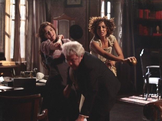 """Em """"Lado a Lado"""", senador tenta abusar de Laura à força"""