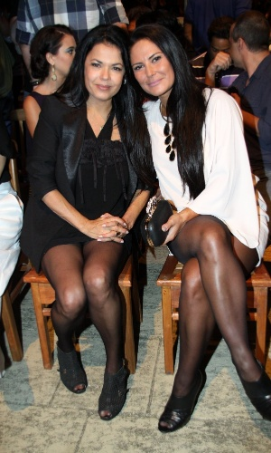 """15.jan.2013 - Andréa Avancini e Carla Cabral prestigiaram o lançamento da nova minissérie da Record, """"José do Egito"""", que aconteceu no Rio"""