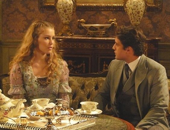 """25.jan.2013 - Em """"Lado a Lado"""", Esther perdoa Albertinho, mas diz que não quer conhecer Elias"""