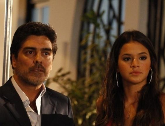 Junno e Bruna Marquezine em cena de Salve Jorge (28.jan.2013)
