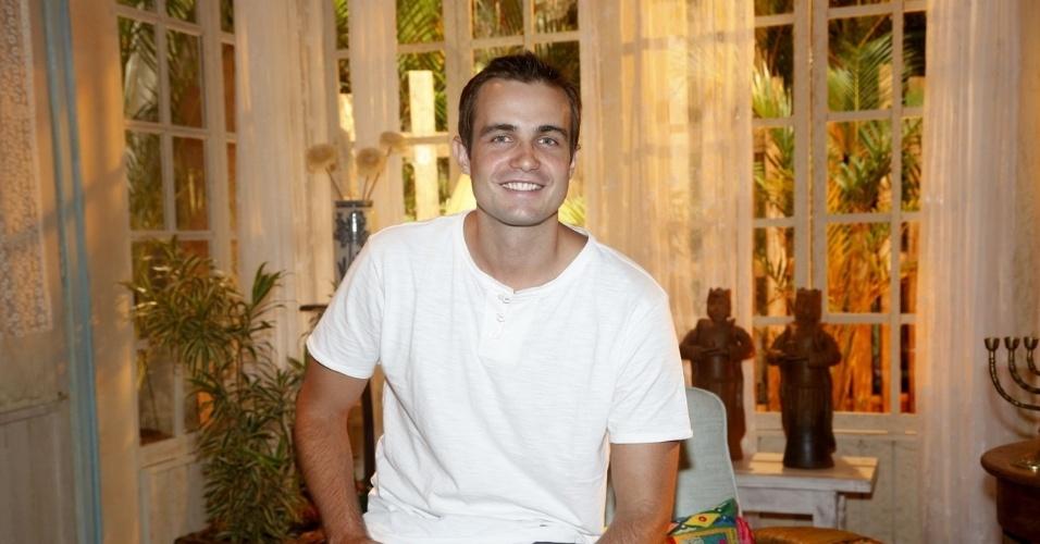 """19.fev.2013 - Max Fercondini participou da apresentação da novela """"Flor do Caribe"""" no Projac, complexo de estúdios da Globo localizado na zona oeste do Rio"""