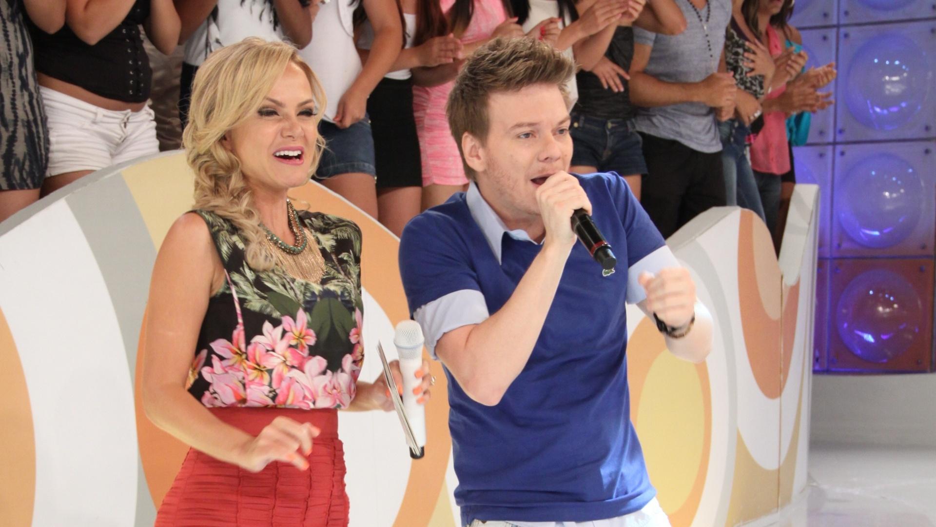 Fev.2013 - O cantor Michel Teló é convidado do programa Eliana