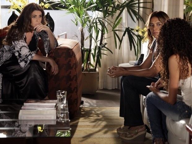 """Em """"Salve Jorge"""", Lucimar conta para Helô que Russo e Wanda traficaram Morena"""
