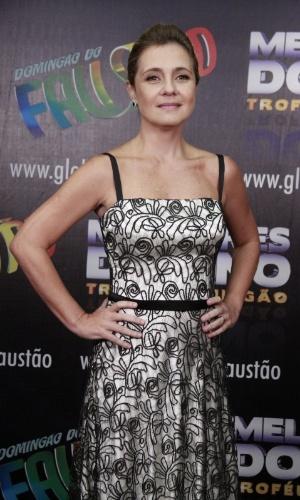 """3.mar.2013 - Adriana Esteves posa para fotos no prêmio Melhores do Ano no """"Domingão do Faustão"""""""