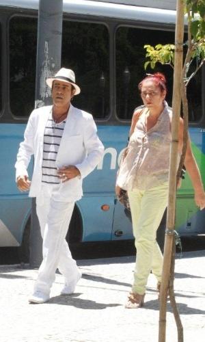 """4.mar.2013 - O cantor Elymar Santos gravou cenas de """"Salve Jorge"""" em uma gafieira localizada no centro do Rio"""