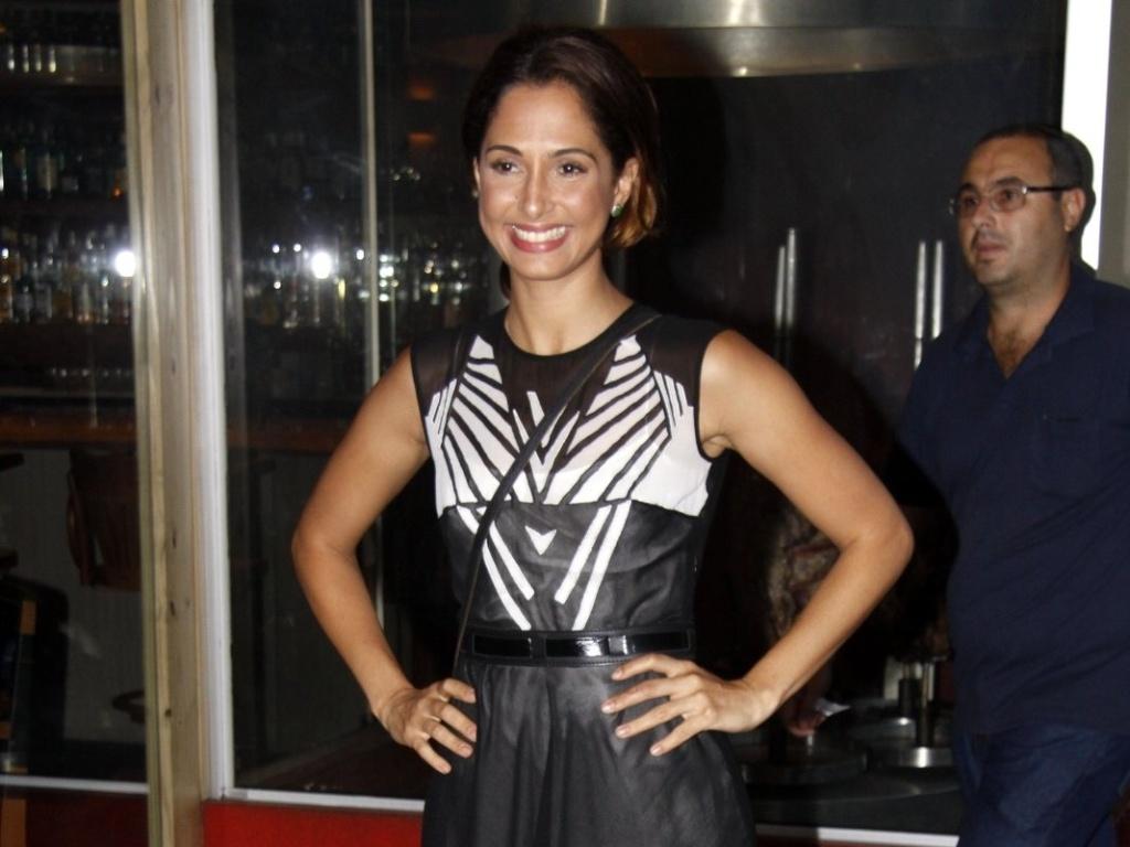 8.mar.2013 - Camila Pitanga prestigiou o último capítulo da novela