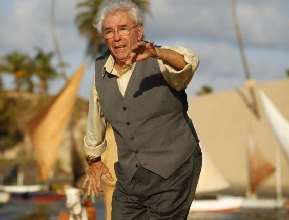 """11.mar.2013 Em """"Flor do Caribe"""", Samuel entra em pânico ao ouvir ruído do avião caça"""