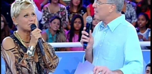 30.mar.2013 - Xuxa recebe homenagens em seu programa