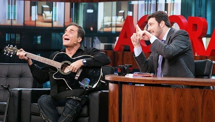 O comediante Rey Biannchi com Danilo Gentili no