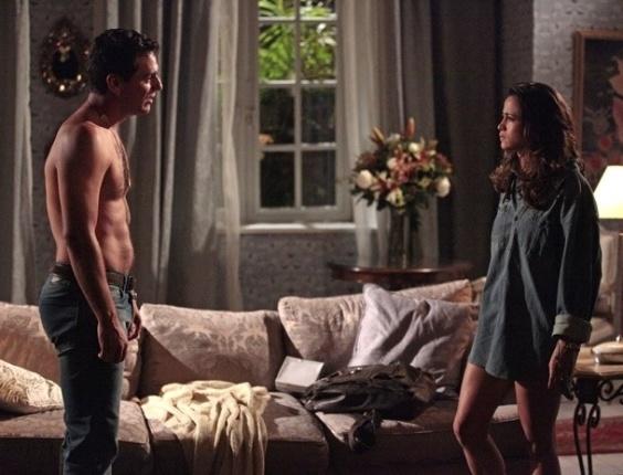 """Em """"Salve Jorge"""", Morena descobre que Érica está grávida"""