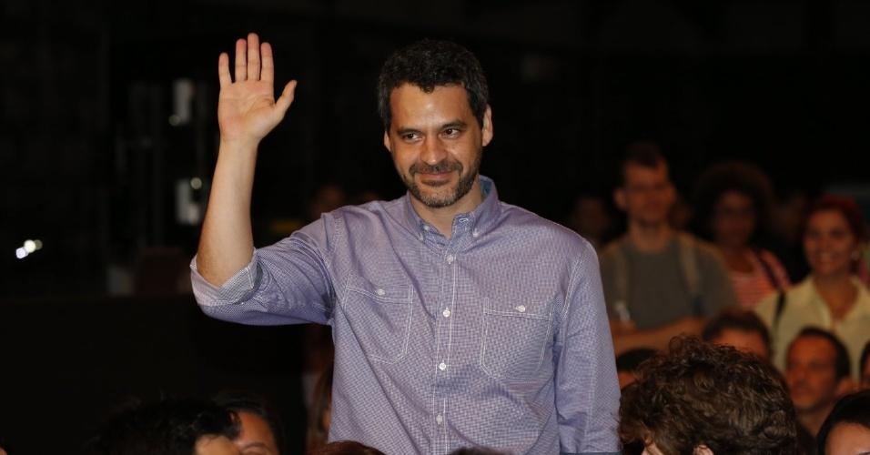 """8.abr.2013 - Bruno Garcia prestigiou a coletiva de apresentação da novela """"Sangue Bom"""" que aconteceu no Projac, zona oeste do Rio"""