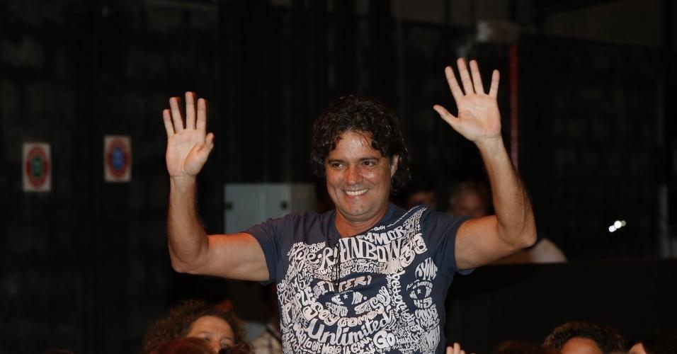 """8.abr.2013 - Felipe Camargo prestigiou a coletiva de apresentação da novela """"Sangue Bom"""" que aconteceu no Projac, zona oeste do Rio"""