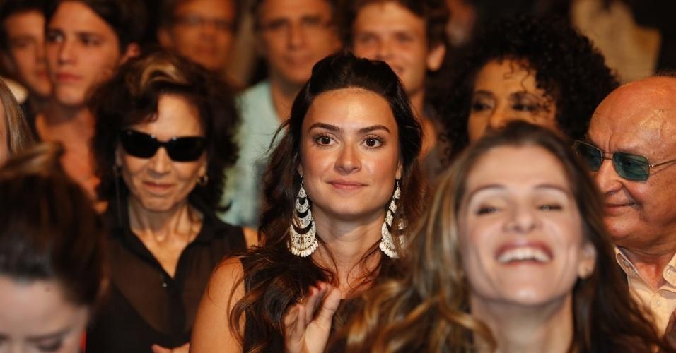 """8.abr.2013 - Thaila Ayala prestigiou a coletiva de apresentação da novela """"Sangue Bom"""" que aconteceu no Projac, zona oeste do Rio"""