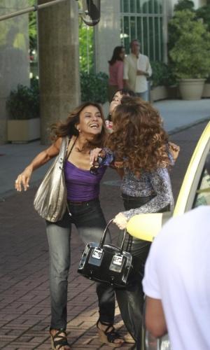 15.abr.2013 - Policial disfarçada impede Lucimar de dá uma surra em Wanda