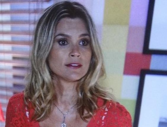 """16.abr.2013 - Em """"Salve Jorge"""", Érica expulsa Théo de sua casa"""