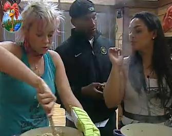 Luiza Gottschalk, Viola e Mulher Melancia preparam o risoto (29/9/2010)