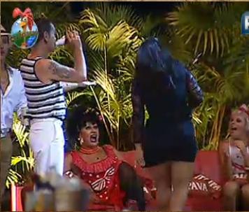 Peões vibram com dança de Melancia (29/10/10)