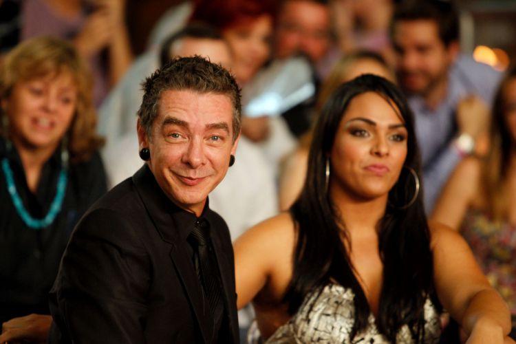 Carlos Carrasco e Mulher Melancia assistem à final de