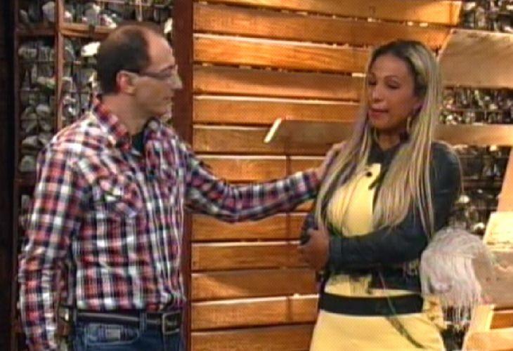 Britto Jr. conversa com a última eliminada(09/10/11)
