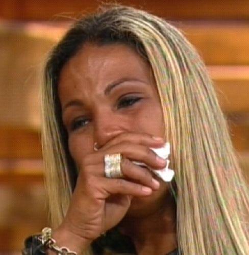 Valesca chora muito após eliminação(09/10/11)