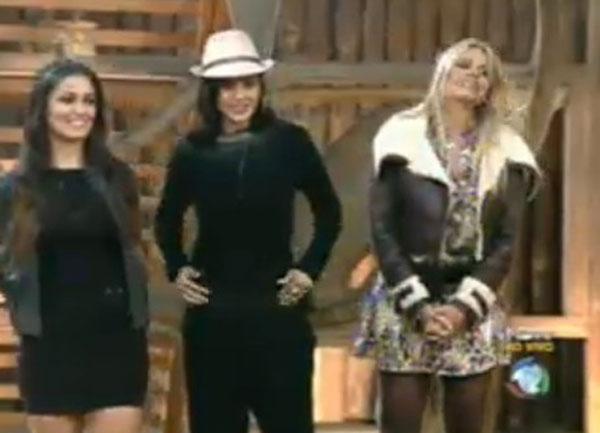Franciely, Ana Paula e Monique Evans aguardam divulgação do resultado que decidirá qual delas permanecerá no programa (21/07/2011)