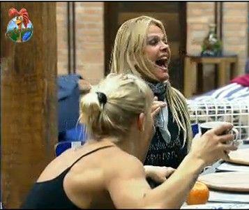 Monique e Duda se divertem com as diferenças entre o português do Brasil e o de Portugal (22/7/11)
